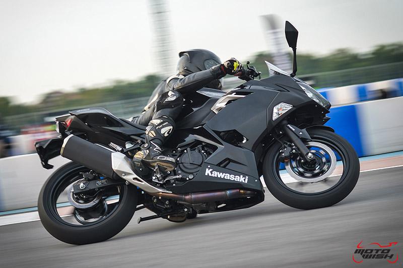 MotoWish-Review-Ninja-400-2018-11-1