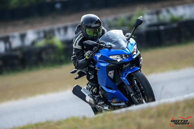 MotoWish-Review-Ninja-400-2018-32