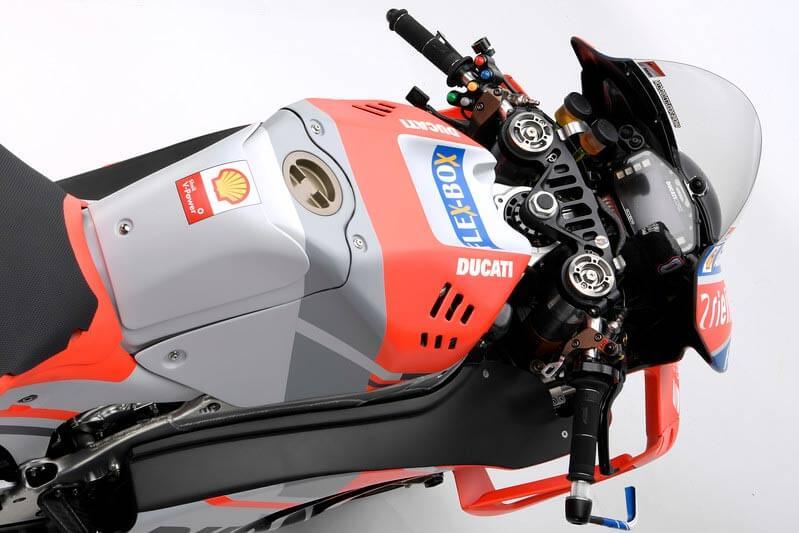 Ducati เปิดตัวเครื่องจักรสังหาร Desmosedici GP18 สวยล้ำ ทันสมัยในทุกมุมมอง | MOTOWISH 7
