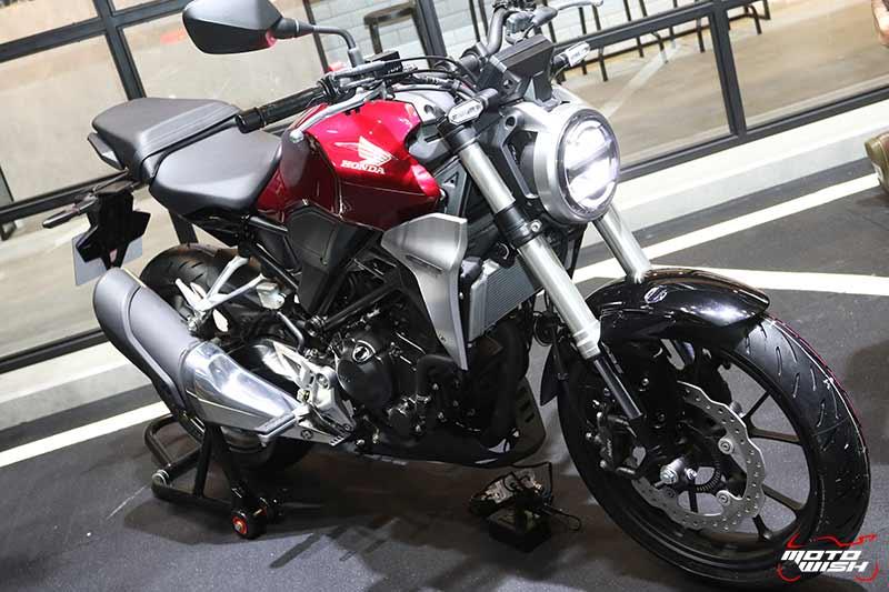 เปิดตัวรถ Honda CB300R 2018 Neo Sport Cafe' คราฟต์ให้สุด ...