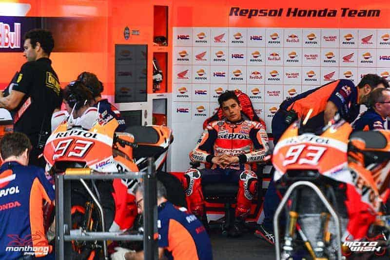 MotoWish Marquez re signs for two more seasons 2019 2020 - มาร์ค มาเกซ จรดปากกาเซ็นสัญญาระเบิดคันเร่งกับ Repsol Honda Team MotoGP ต่อไปอีก 2 ปี - เด็กระเบิด มาร์ค มาเกซ แชมป์โลกรุ่นโมโตจีพี 4 สมัย เซ็นสัญญาเป็นนักแข่งให้กับ Repsol Honda Team MotoGP ต่อเนื่องไปอีก 2 ปี ซึ่งจะทำให้เจ้าหนูวัย 24 ปี คนนี้หวดรถ RC213V ไปจนถึงปี 2020
