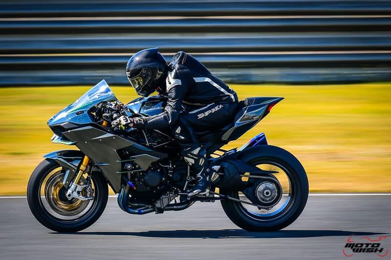 รีวิว Kawasaki Ninja H2 Trick Star : 258 แรงม้า ขีดสุดของความแรง คันแรกของเมืองไทย Full HD | MOTOWISH 16