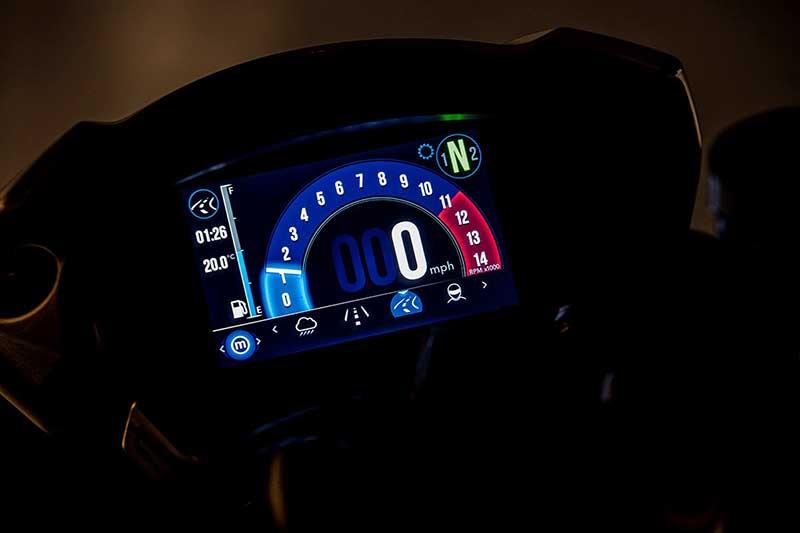 Triumph เผยโฉม Speed Triple S และ RS ใหม่ อัพเกรดอุปกรณ์ล้ำ เติมขุมพลังแบบจัดเต็ม   MOTOWISH 43