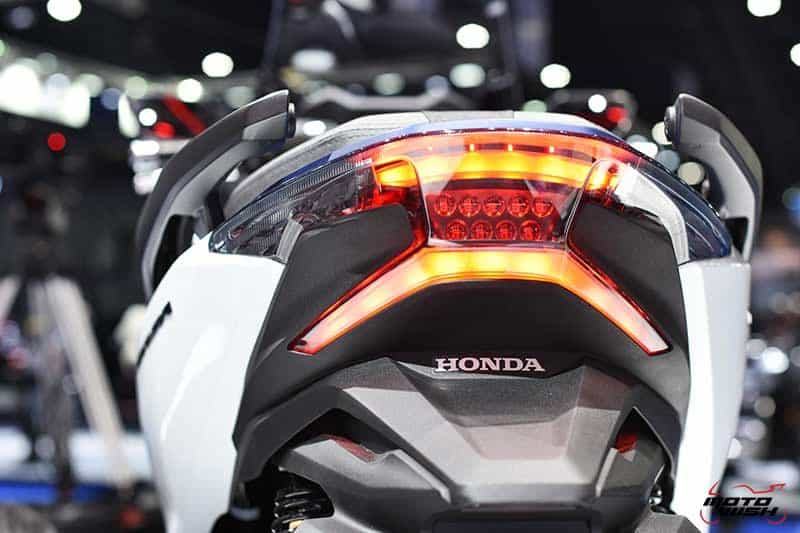 เผยโฉม All New Honda Forza 300 งามหรู ดูล้ำ เปิดราคา 1.69 แสนบาท (Motor Show 2018) | MOTOWISH 49