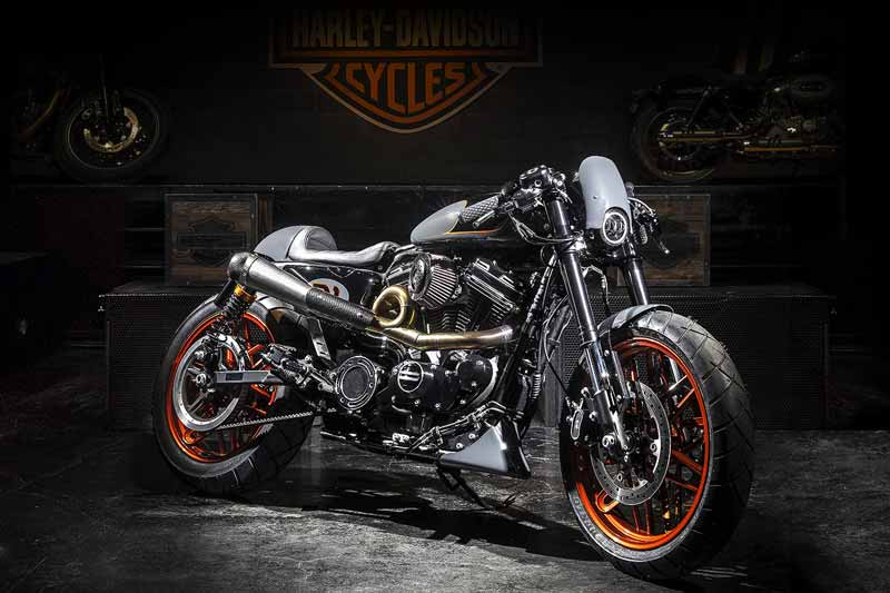MotoWish Harley Davidson Bombtrack ITALY - ฮาร์ลีย์-เดวิดสัน เผยโฉมมอเตอร์ไซค์ 9 รุ่น พิเศษฉลองครบรอบ 115 ปี Motor Show 2018 - Harley-Davidson ผู้ผลิตรถมอเตอร์ไซค์สัญชาติอเมริกัน จัดเต็มฉลองครบรอบ 115 ปี ยกทัพโชว์รถมอเตอร์ไซค์รุ่นพิเศษ 9 รุ่น มาจัดแสดงพร้อมกันเป็นที่แรกในอาเซียนที่งาน บางกอก อินเตอร์เนชั่นแนล มอเตอร์โชว์ 2018 ภายใต้ชื่อรุ่นอย่างเป็นทางการว่า 115TH Anniversary