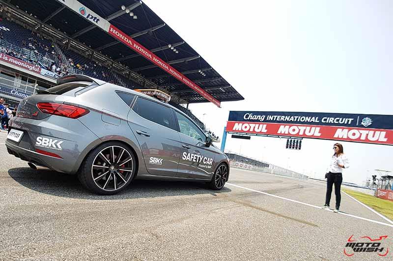 "Dorna Sport พาสัมผัสประสบการณ์สุดพิเศษ ""หลังติดเบาะในรถ Safety Car"" งานเวิลด์ ซุปเปอร์ไบค์ | MOTOWISH 51"