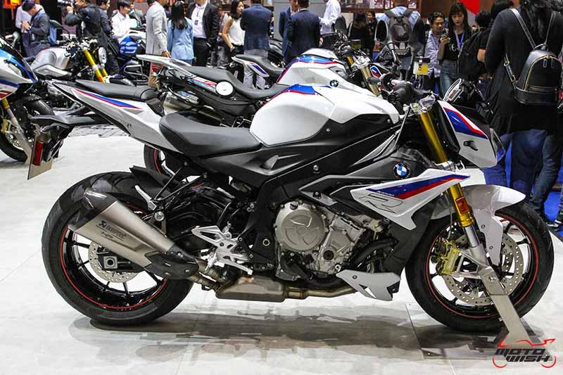 โอกาสสุดท้าย BMW จัดโปรฯแรง 0% 48 เดือน หรือเลือกรับท่อแต่ง HP RACE Titanium Full System   MOTOWISH 49