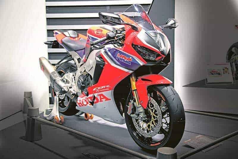 ส่องรายละเอียด Honda CBR1000RR SP Custom Concept ตัวขาย ฉลองหวนคืนสู่รายการ Suzuka 8 Hours | MOTOWISH 50