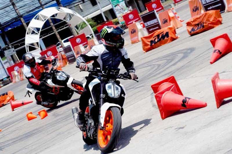 กิจกรรมทดสอบรถฟรี KTM 390 DUKE Test Ride & DUKEHANA Training By KTM Garage Ramintra | MOTOWISH 2