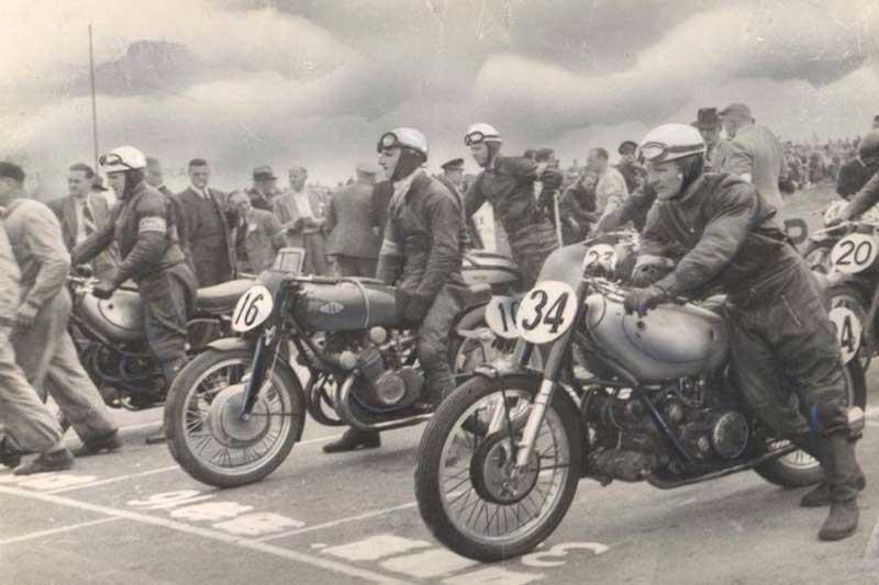 นักแข่งในตำนาน ที่ประสบความสำเร็จในประวัติศาสตร์การแข่งขันรถ MotoGP | MOTOWISH 8