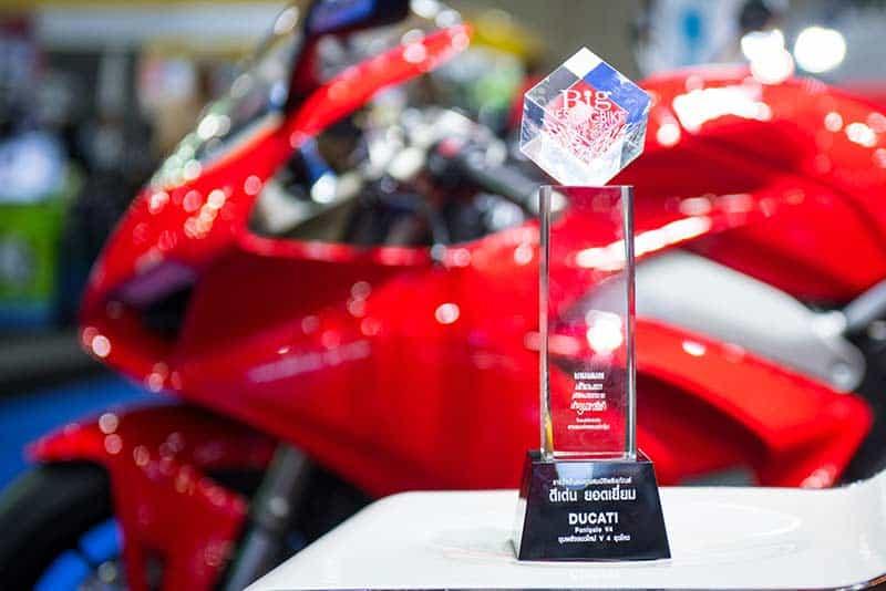 Ducati Panigale V4 คว้ารางวัล Big Best Bigbike of the Year 2017-2018 พร้อมจัดแคมเปญใหญ่ในงาน BIG Motor Sale 2018 | MOTOWISH 1