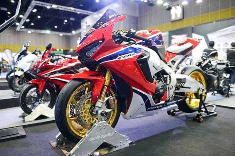 Honda Bigbike ลั่นโปรฯโหด ดาวน์ 0 บาท พร้อมของแถมเพียบๆในงาน Big Motor Sale 2018 | MOTOWISH 2