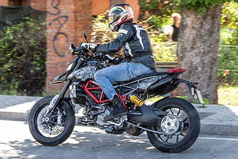 อะไร ยังไง? แอบถ่าย Ducati Hypermotard โฉมใหม่ การกลับมาอีกครั้งในปี 2019 | MOTOWISH 1