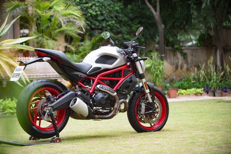 Ducati ฉลองครบรอบ 25 ปีตระกูลปีศาจ เปิดตัว Monster 797 รุ่นพิเศษ อินเดียสไตล์ | MOTOWISH 3