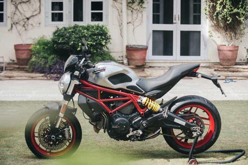 Ducati ฉลองครบรอบ 25 ปีตระกูลปีศาจ เปิดตัว Monster 797 รุ่นพิเศษ อินเดียสไตล์ | MOTOWISH 1