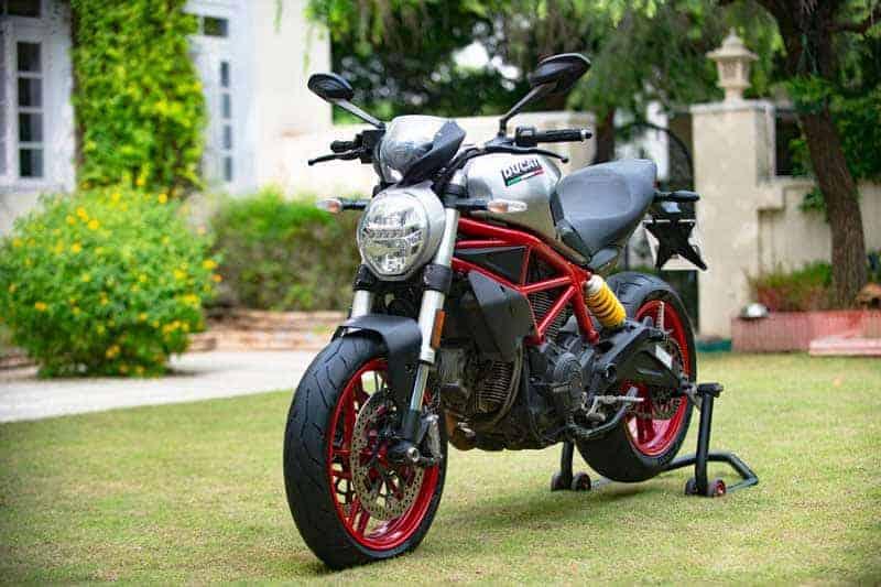 Ducati ฉลองครบรอบ 25 ปีตระกูลปีศาจ เปิดตัว Monster 797 รุ่นพิเศษ อินเดียสไตล์ | MOTOWISH 2