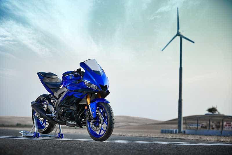 เปิดตัวอย่างเป็นทางการ Yamaha YZF-R3 2019 โฉบเฉี่ยว ล้ำสมัย ดีไซน์ถอดแบบตัวแข่ง M1 | MOTOWISH 8