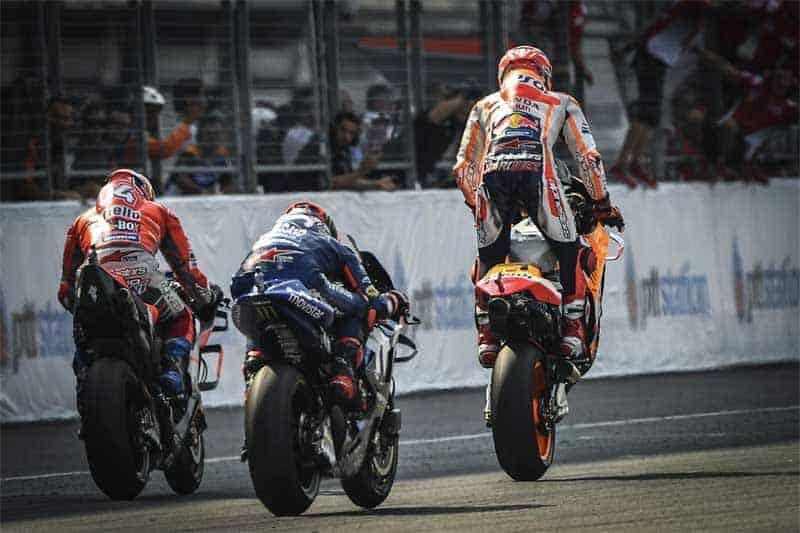 ย้อนหลังการแข่งขัน MotoGP 2018 สนามที่ 15 Thai GP โคตรมันส์ยันโค้งสุดท้าย | MOTOWISH 2