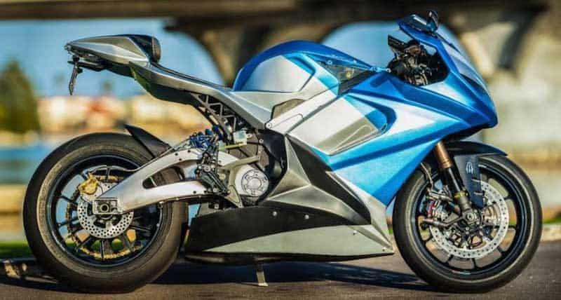 Lightning LS-218 รถจักรยานยนต์ไฟฟ้า ที่สามารถเร่งความเร็วจาก 160-240 กม./ชม. ใช้เวลาเพียง 2 วินาที   MOTOWISH 2