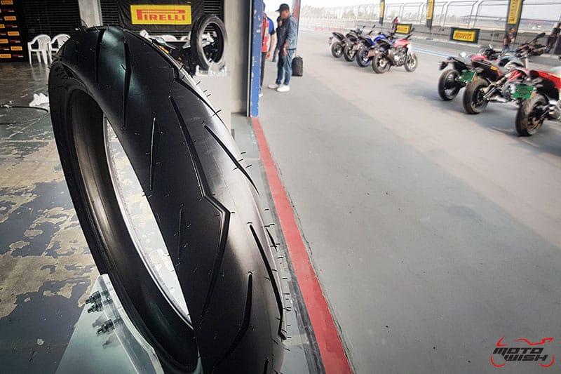 รีวิวยาง Pirelli Diablo Rosso Sport ถอดเทคโนโลยีความสุดจาก SUPERCORSA | MOTOWISH 11