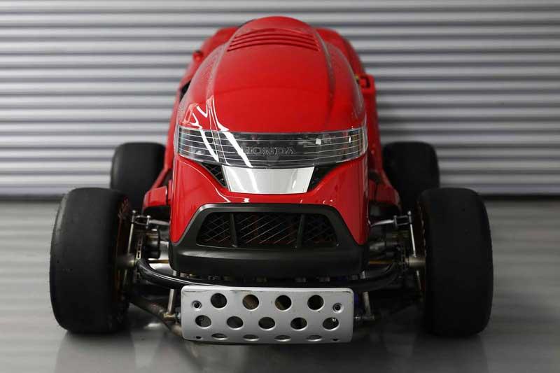 รถตัดหญ้า Honda Mean Mower V2 ยัดเครื่อง CBR1000RR วิ่งหญ้ากระจุยกว่า 240 กม./ชม. | MOTOWISH 2