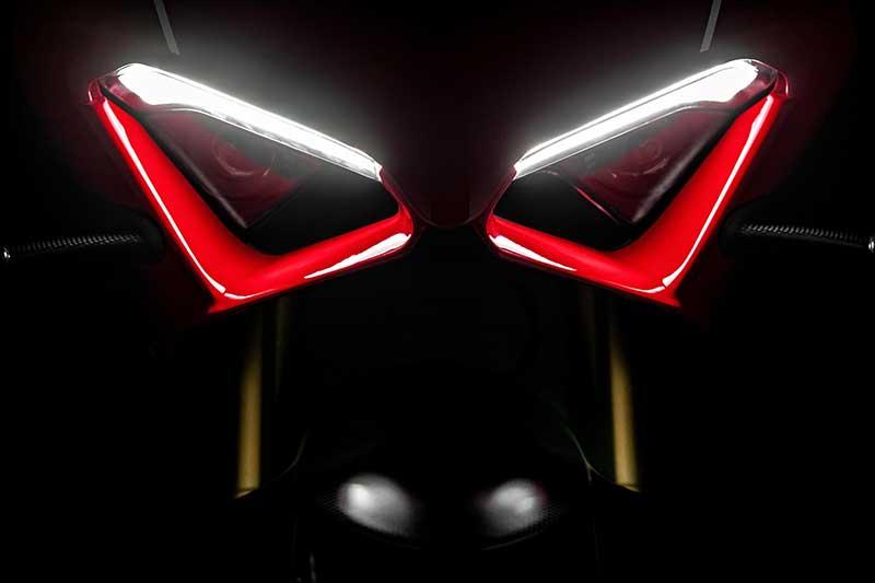 ใกล้ถึงเวลาแผลงฤทธิ์! เผยภาพซุปเปอร์เน็คเก็ต Ducati Streetfighter V4 ลงซิ่งในสนาม | MOTOWISH 1
