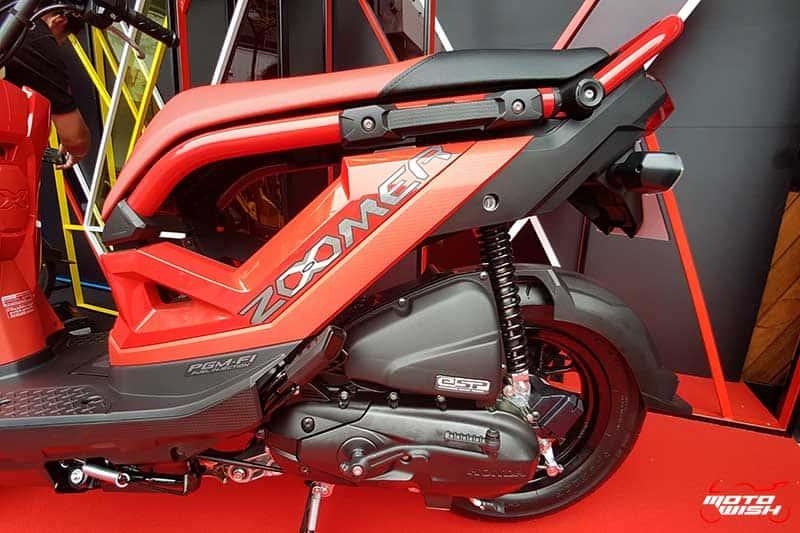 New Honda Zoomer-X ประกบ Rapper UrboyTJ ชวนวัยรุ่นมาสนุกนอกกรอบ มีดี...ก็ออกมาดิค๊าบบ!!! | MOTOWISH 10