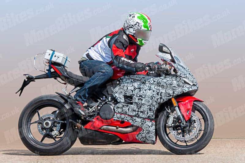 เผยภาพ Ducati Panigale V2 2020 ออกทดสอบ ถ่ายทอด DNA ความสปอร์ต ถอดแบบพี่ใหญ่ V4 | MOTOWISH 3