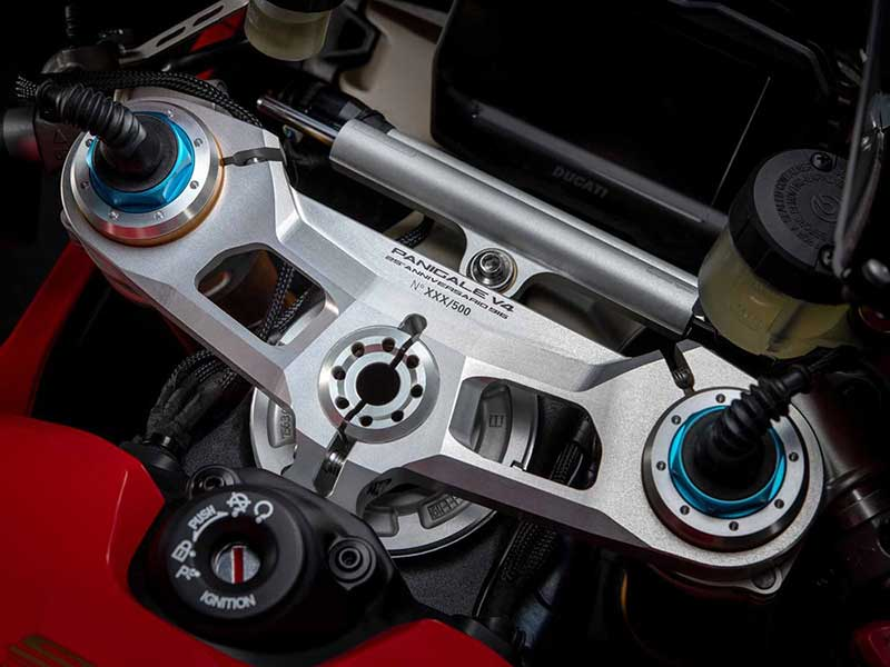 ฉลอง 25 ปี โมเดล 916!! Ducati เตรียมเปิดรถรุ่นพิเศษ Panigale V4 25 Anniversario 916 ลิมิเต็ด 500 คัน | MOTOWISH 1