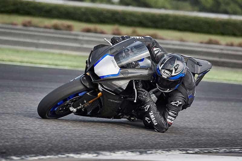 เปิดตัว Yamaha YZF-R1M / YZF-R1 2020 หน้าใหม่ โหด ดุดัน ใส่ออฟชั่นจัดเต็ม | MOTOWISH 9