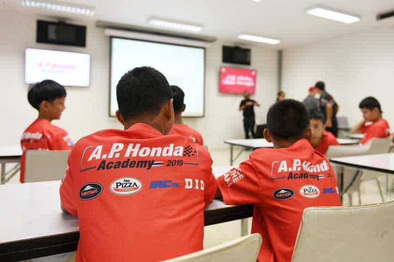 เปิดรับสมัครเยาวชนไทยร่วมโครงการ Race To The Dream โปรเจกต์สานฝันปั้นดาวบิดไทยสู่ MotoGP | MOTOWISH 2