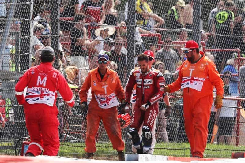 ช็อตเด็ดอุบัติเหตุรถ MotoGP โดวิบินข้ามรถควอตาราโร่ ไฟลุก 8 เมตร!! รอดตายปาฏิหาริย์   MOTOWISH 6