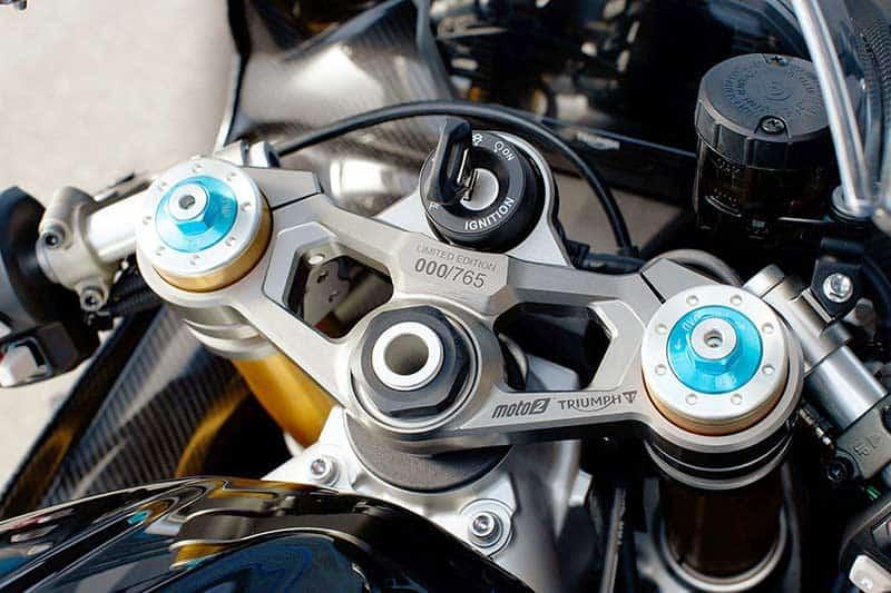 """เปิดตัวจริง """"Triumph Daytona Moto2 765"""" รถถนนสายพันธุ์ Moto2 อุปกรณ์จัดเต็ม 1,530 คันในโลก   MOTOWISH 5"""