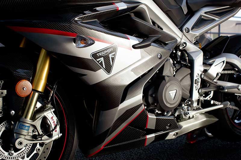 """เปิดตัวจริง """"Triumph Daytona Moto2 765"""" รถถนนสายพันธุ์ Moto2 อุปกรณ์จัดเต็ม 1,530 คันในโลก   MOTOWISH 6"""