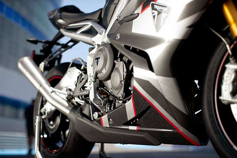 """เปิดตัวจริง """"Triumph Daytona Moto2 765"""" รถถนนสายพันธุ์ Moto2 อุปกรณ์จัดเต็ม 1,530 คันในโลก   MOTOWISH 4"""