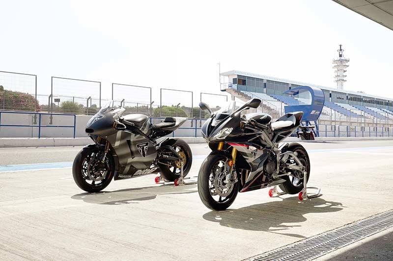 """เปิดตัวจริง """"Triumph Daytona Moto2 765"""" รถถนนสายพันธุ์ Moto2 อุปกรณ์จัดเต็ม 1,530 คันในโลก   MOTOWISH 2"""