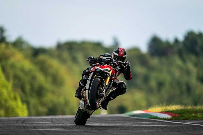 เปรียบเทียบสเปค Kawasaki Z H2 VS Ducati Streetfighter V4   MOTOWISH 1