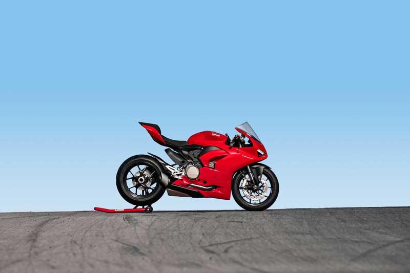 "Ducati เปิดตัว ""Panigale V2 2020"" ถอดแบบความเท่ ตามรุ่นพี่ V4 | MOTOWISH 2"