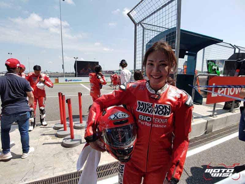 อยากซ้อนรถโมโตจีพีเสียเงินเท่าไหร่?? พร้อมบทสัมภาษณ์ หญิงไทยคนแรกที่ได้ซ้อนรถโมโตจีพี | MOTOWISH 2