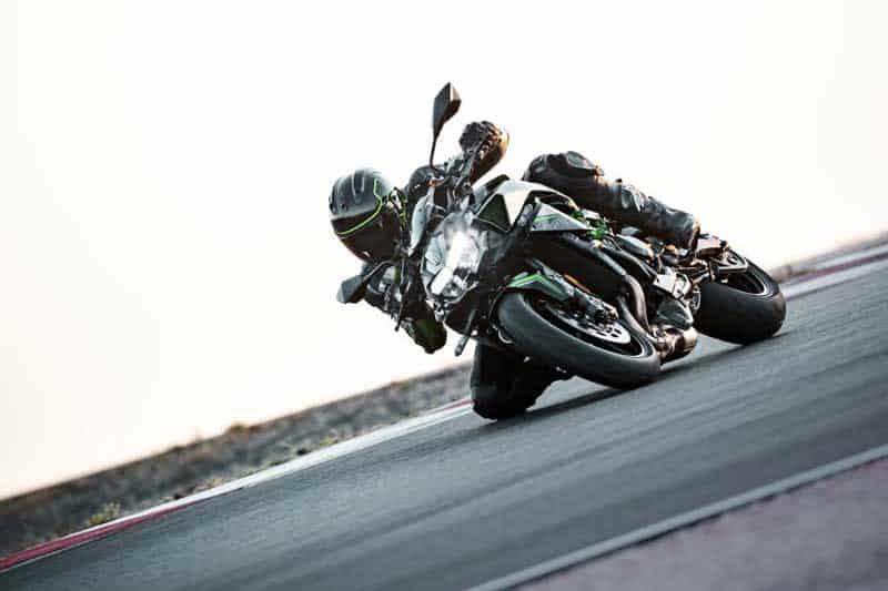 เปรียบเทียบสเปค Kawasaki Z H2 VS Ducati Streetfighter V4   MOTOWISH 5