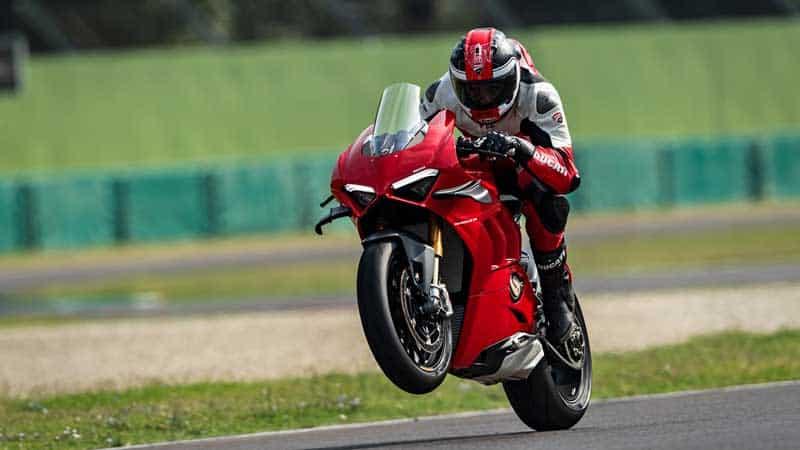 """""""New Ducati Panigale V4 2020"""" เปิดตัวอย่างเป็นทางการ พร้อมยกชิ้นส่วนจาก """"V4R"""" มาใส่   MOTOWISH 8"""