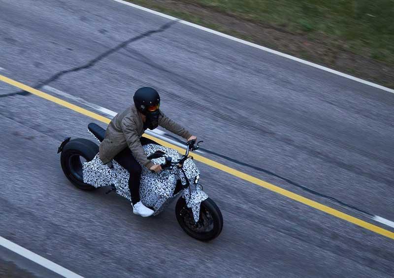 RMK E2 จักรยานยนต์ไฟฟ้าล้อไร้ดุม ลงทดสอบบนถนนจริง ก่อนผลิตจำหน่ายอย่างเป็นทางการ | MOTOWISH 2