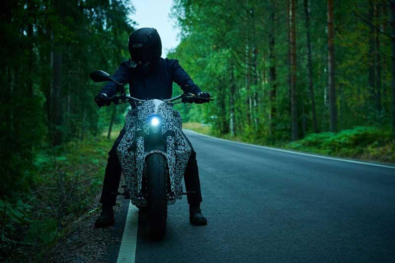 RMK E2 จักรยานยนต์ไฟฟ้าล้อไร้ดุม ลงทดสอบบนถนนจริง ก่อนผลิตจำหน่ายอย่างเป็นทางการ | MOTOWISH 3