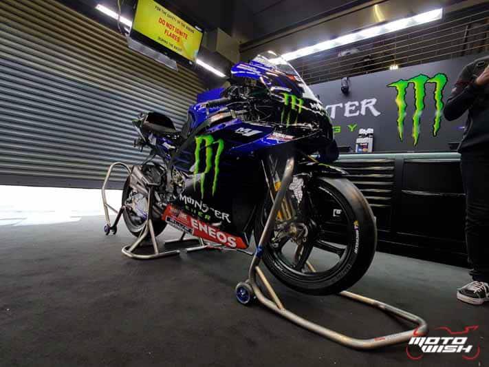 "Super VIP ตะลุยพิทโมโตจีพี สัมผัส YZF-M1 ตัวแข่งของ ""บีญาเลส"" นักแข่งทีม Monster Energy Yamaha | MOTOWISH 11"