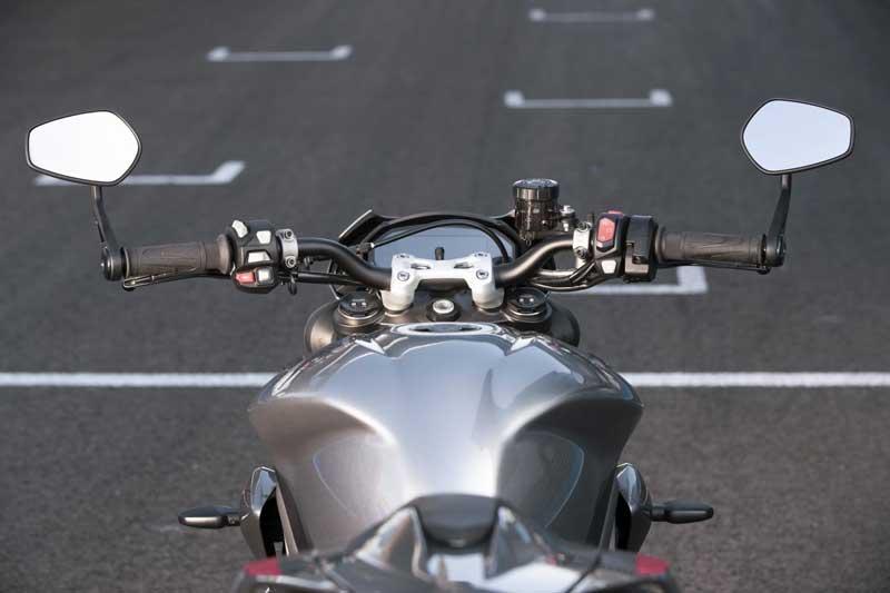 Triumph เปิดตัว Street Triple RS 2020 อย่างเป็นทางการ พร้อมยกเทคโนโลยีเครื่องยนต์มาจาก Moto2 | MOTOWISH 6