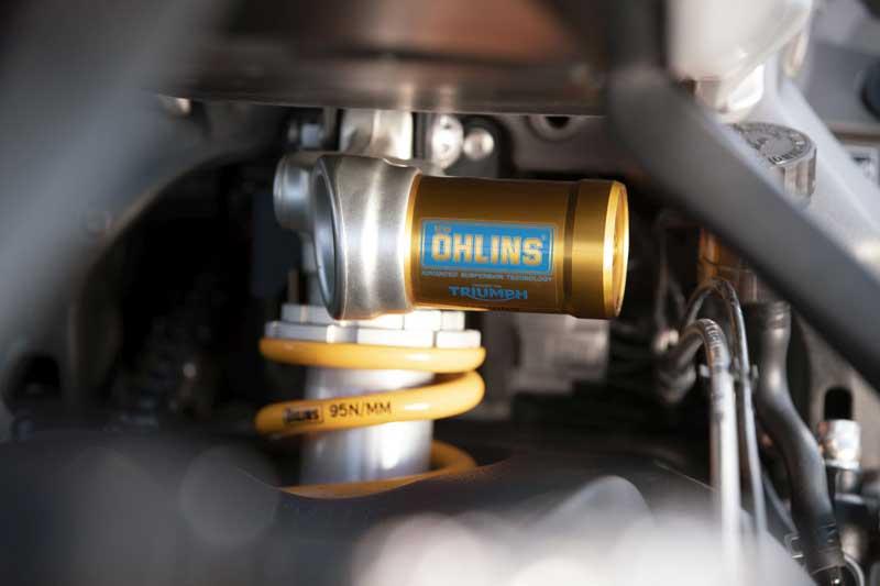 Triumph เปิดตัว Street Triple RS 2020 อย่างเป็นทางการ พร้อมยกเทคโนโลยีเครื่องยนต์มาจาก Moto2 | MOTOWISH 4