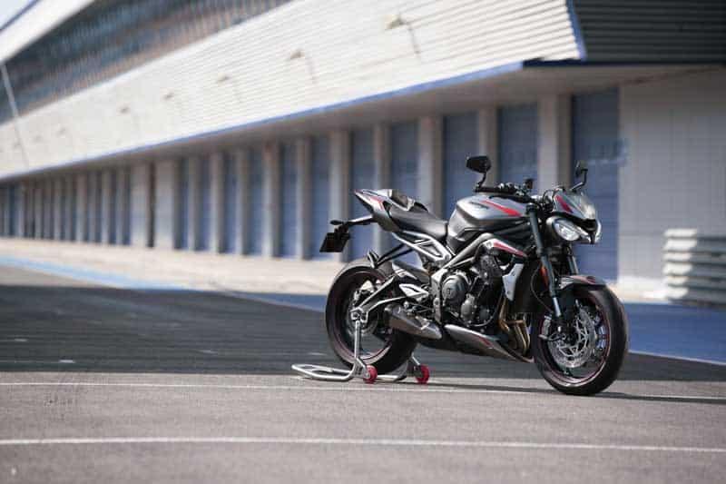 Triumph เปิดตัว Street Triple RS 2020 อย่างเป็นทางการ พร้อมยกเทคโนโลยีเครื่องยนต์มาจาก Moto2 | MOTOWISH 5