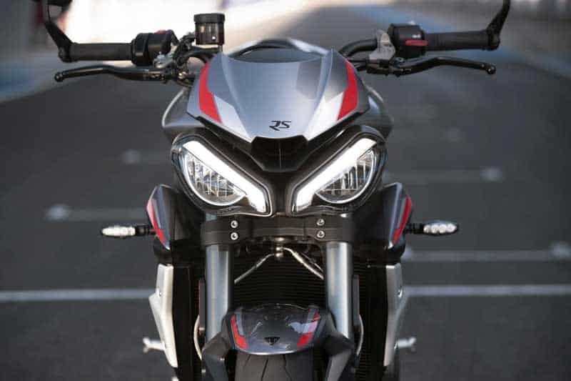 Triumph เปิดตัว Street Triple RS 2020 อย่างเป็นทางการ พร้อมยกเทคโนโลยีเครื่องยนต์มาจาก Moto2 | MOTOWISH 1