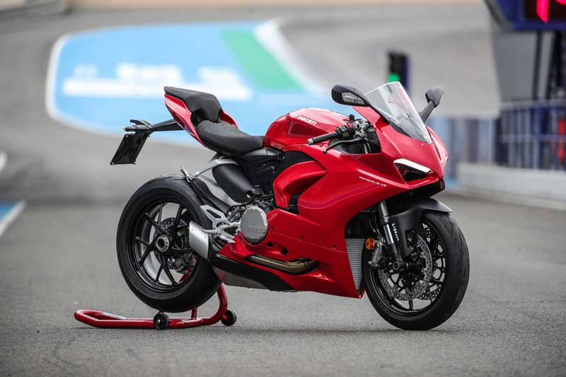 ลือ Ducati เตรียมให้กำเนิด Streetfighter V2 หลังจากเปิดตัวสปอร์ตไบค์ Panigale V2 ไปแล้ว | MOTOWISH 1