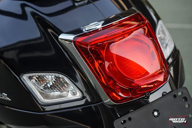 รีวิว VESPA GTS SUPER TECH 300 ABS เครื่องยนต์ทรงสมรรถนะ ผสานเทคโนโลยีสุดล้ำ พร้อมตอบโจทย์ไลฟ์สไตล์คนรุ่นใหม่   MOTOWISH 27
